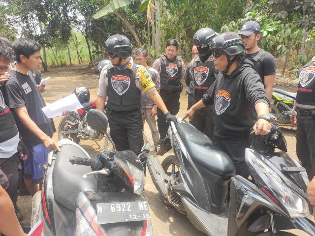 Tim Cobra Lumajang Razia Sarang Bandit Temukan 10 Motor Bodong dan Pistol