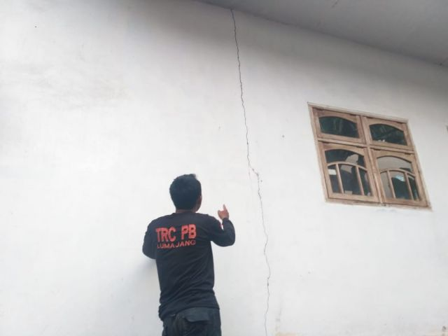 Belasan Rumah di Ranuyoso Retak Akibat Gempa Tektonik  Gunung Lemongan