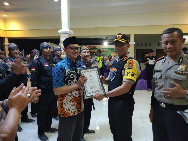 Kapolres Beri Penghargaan Ke Satgas Keamanan Desa Jatirejo, Jatigono dan Kunir Kidul