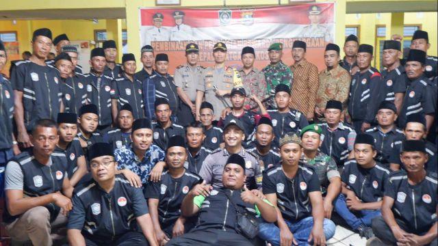 Kapolres Bersama Cak Thoriq Bentuk Ribuan Satgas Keamanan Lumajang