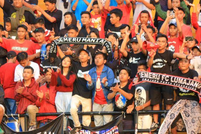 Semeru Mania Lumajang Away Day ke Blitar Dukung The Red Lava