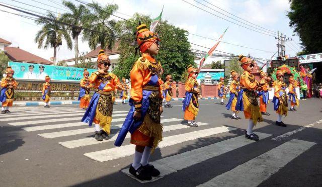 Pawai Budaya Tingkat TA/RA dan PAUD di Lumajang Meriah