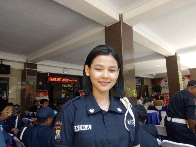 Viral..! Satpam Cantik Jatiroto Lumajang Bikin Warganet Minta Diborgol