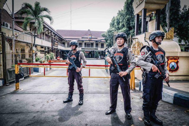 Kapolres Lumajang Siagakan Anggota di POS PAM usai Peristiwa Bom Bunuh Diri