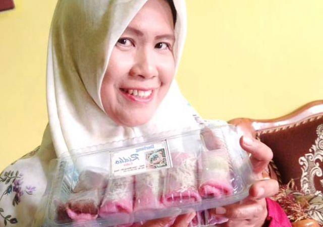 Bisnis Darlung , Sofie Hendro Raup Untung Jutaan Rupiah