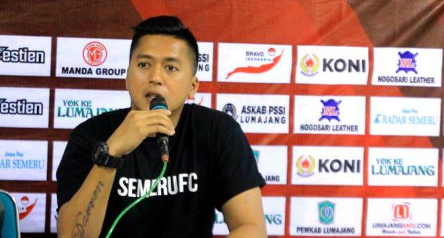 Stefan Keeltjes : Pemain Semeru FC Demam Panggung di Laga Perdana
