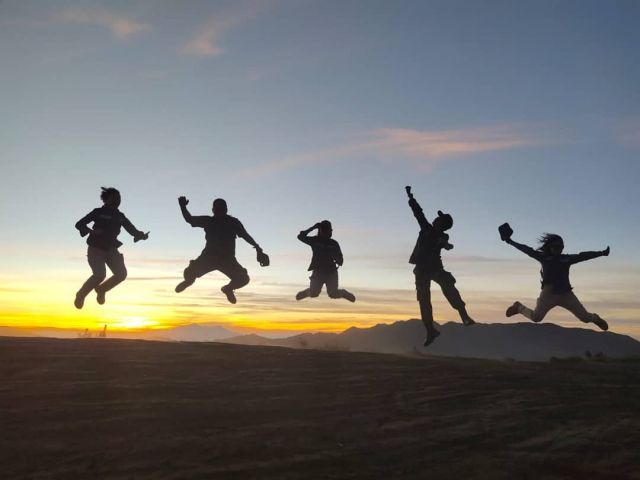 Indahnya Mengejar Sunset di Puncak B29 Lumajang