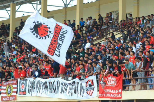 Hujan Gol Dilaga Semeru FC Hadirkan Suara Gemuruh Ribuan Supporter