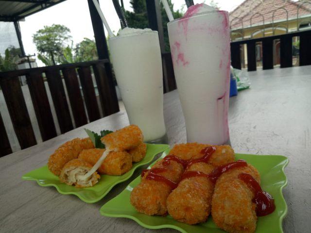 Segernya Susu Olahan Goatzilla Farm & Caffe Seduro - Lumajang