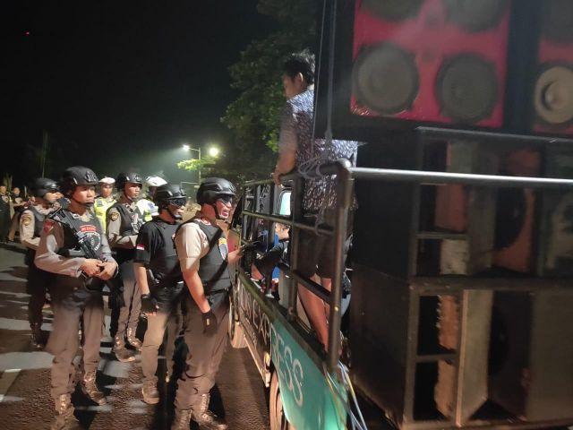 Kapolres Lumajang Sayangkan Takbir Keliling Warga Pakai Angkutan Bak Terbuka
