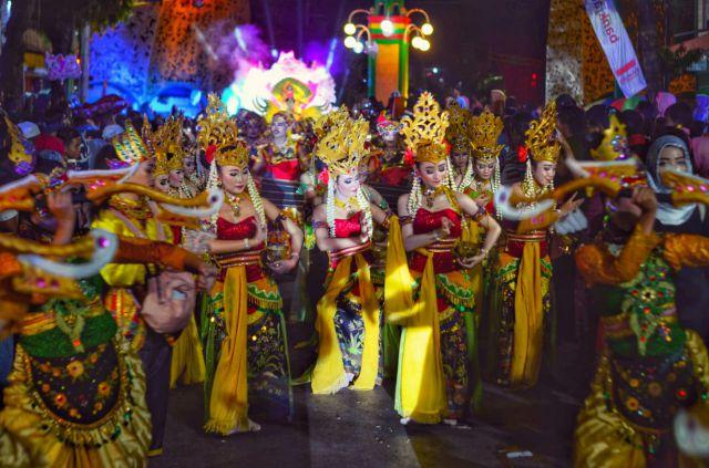 Tim Kesenian Lumajang 3 Kali Berturut Jadi Terbaik di Jatim Spekta Night Carnival