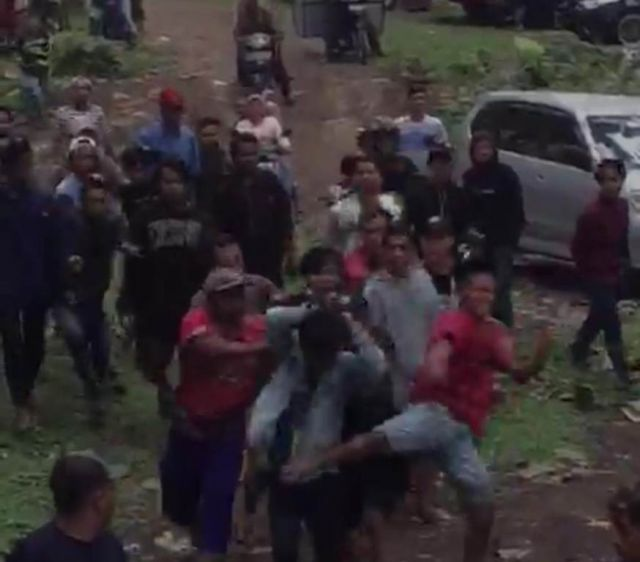Viral Video Tawuran Antar Remaja di Kapas Ijo Candipuro Lumajang