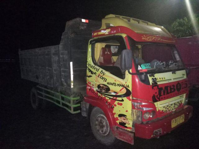 Polisi Gagalkan Truk Warga Kalibendo - Lumajang Dijual Pencuri di Karanganyar