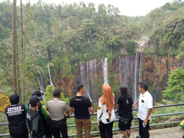 Air Terjun Tumpak Sewu Lumajang Niagaranya Indonesia