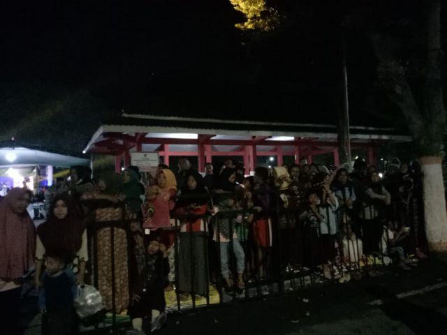 Ribuan Pengunjung Rela Kehujanan Demi Nonton BALOS Lumajang
