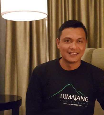 Anggota DPRD Bangga Pakai Kaos Lumajang Puncak Jawa Mahameru