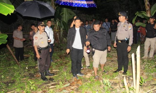 AKBP Adewira Pimpin Olah TKP Pembacokan Warga Wotgalih Lumajang