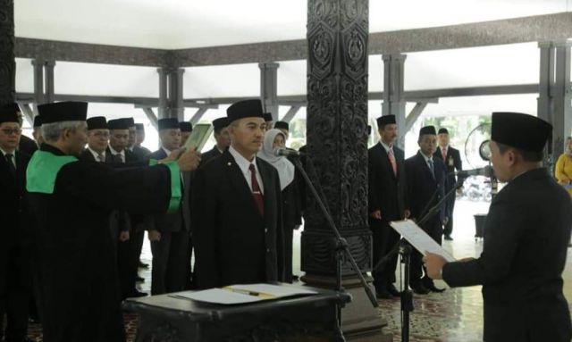 Cak Thoriq Lantik Drs. Agus Triyono M.Si Jadi Sekda Lumajang