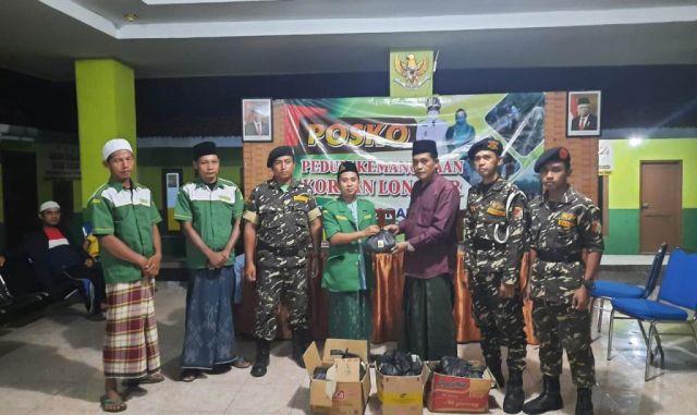 Ansor Kedungjajang Bantu Korban Longsor Sawaran Kulon Lumajang