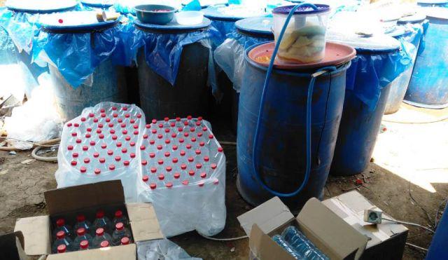 Geger..! Warga Tuban Produksi Arak Jawa di Lumajang