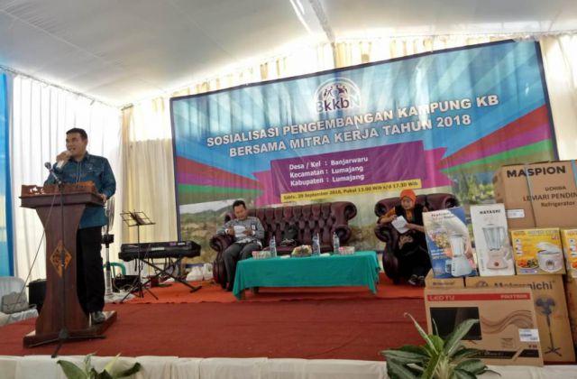 Anggota DPR RI Drs. Ayub Khan M.Si Kawal Program Kampung KB di Lumajang