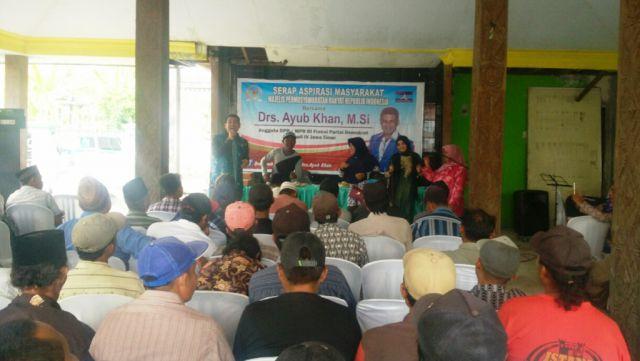 Serap Aspirasi di Kertosari Drs. Ayub Khan Disambati Jalan Rusak