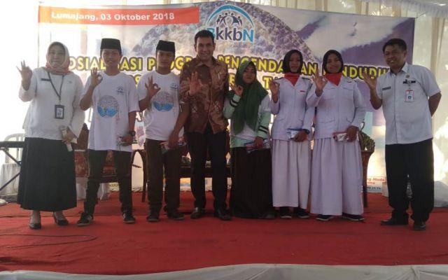 Sosialisasi di MA Raudlotus Syarifah, Drs. Ayub Khan M.Si Minta Siswa Tak Nikah Dini