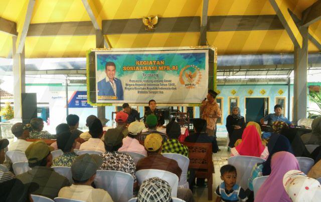 Drs. Ayub Khan Sosialisasi 4 Pilar Kebangsaan di Desa Pasrujambe