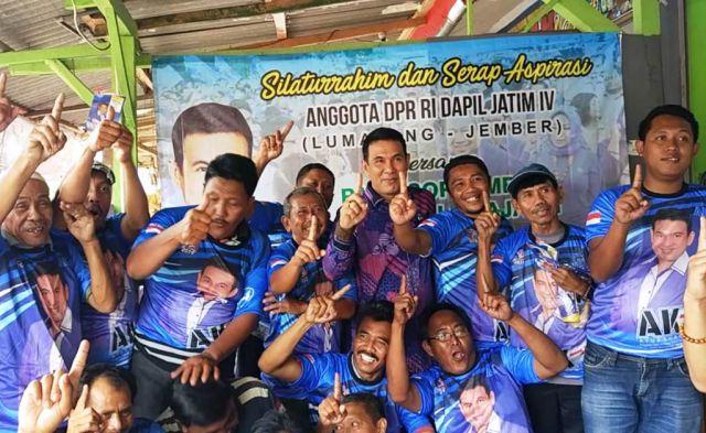 Ayub Khan Anggota DPR RI Ngopi Bareng Sopir AngKot Lumajang