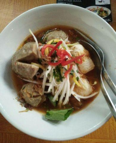 Bakso Bumbu Rujak Kuliner Unik di Lumajang, Rasanya Menggoda