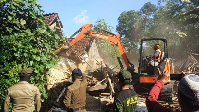 Eks Lokalisasi Bebekan Kabuaran Diratakan Dengan Tanah