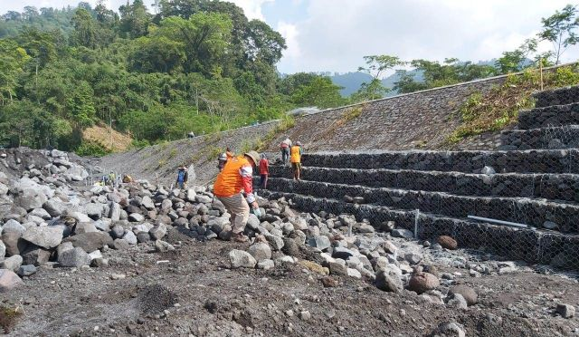 BPBD Mulai Bangun Bronjong Tanggul Penahan Banjir Semeru Lumajang