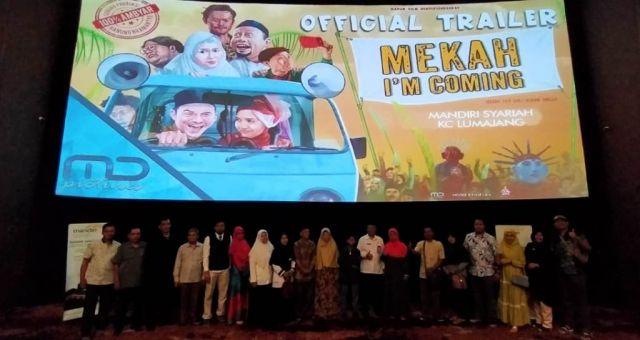 Mandiri Syariah Lumajang Nobar Film Mekah I'm Coming