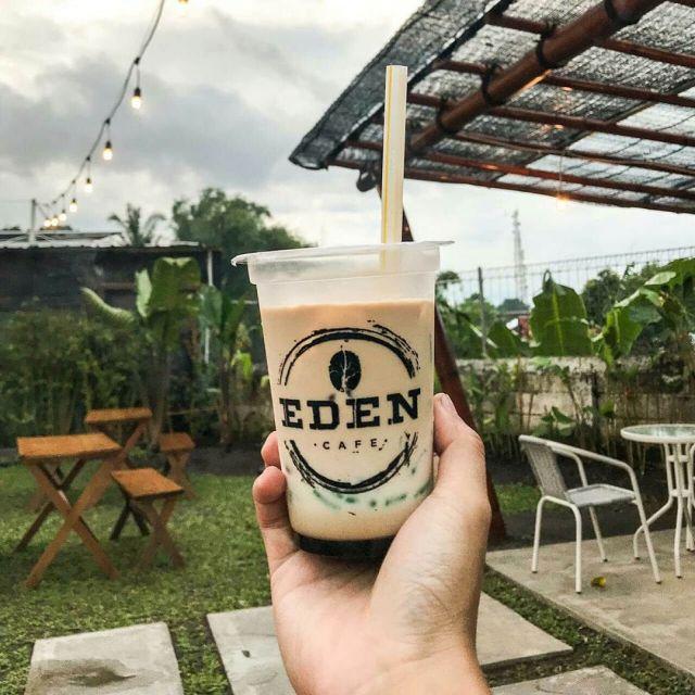 Yuk..! Santai di Eden Cafe Lumajang Berkonsep Outdoor dan Indoor