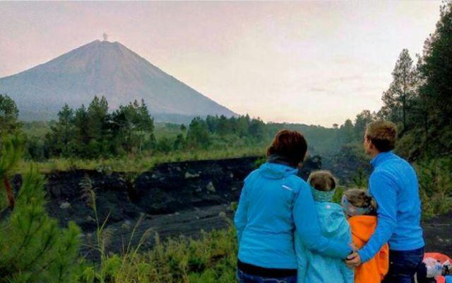 Wisata Camping Graund Oro Oro Ombo Semeru Diminati Turis Asing