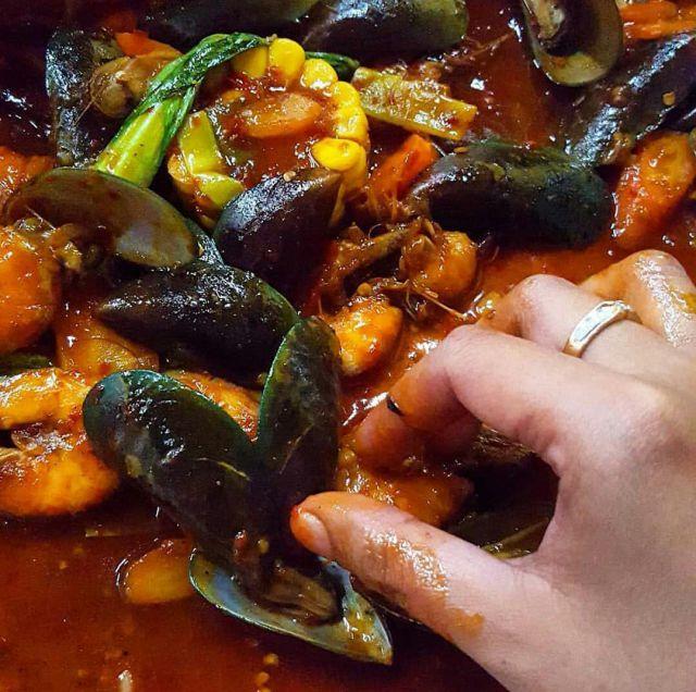 Nikmati Seafood Lautan Merah dengan Harga Murah di Lumajang