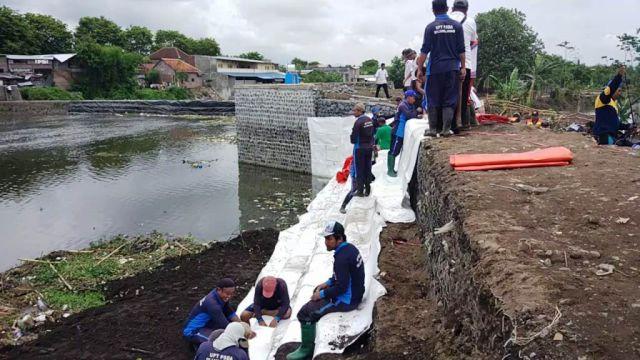 Banjir Sebabkan Proyek 8 Milyar Jebol di Kali Asem Lumajang
