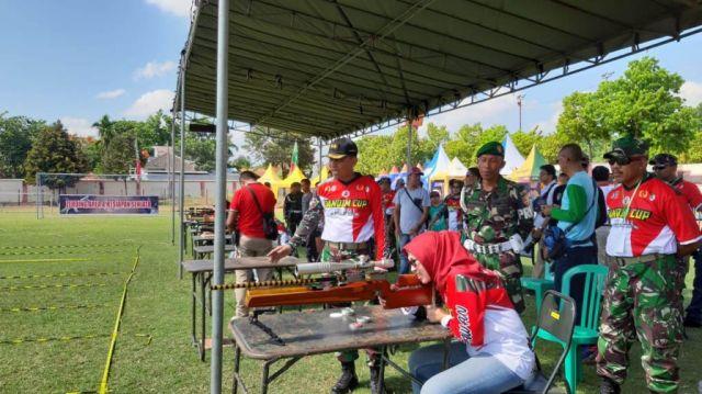 Bunda Indah Apresiasi Lomba Menembak Open Tournament Dandim Cup 0821