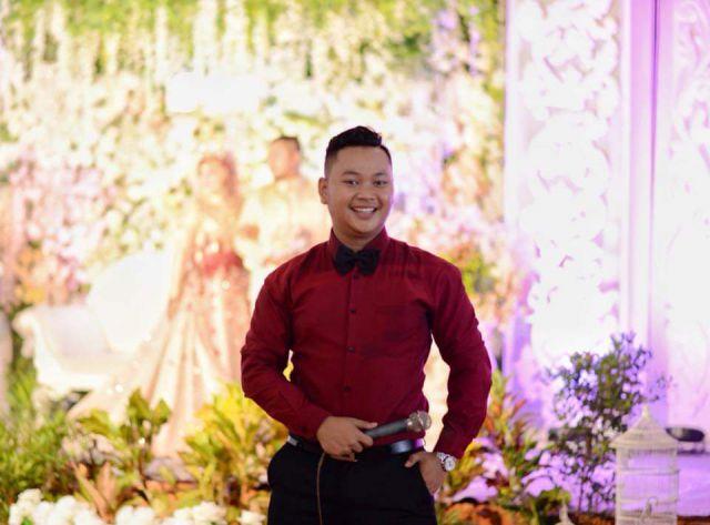 Alumni Duta Wisata Lumajang, Dhimas Cemerlang Dikarir MC