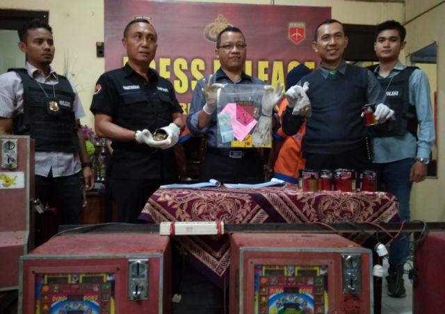 Buka Lapak Judi Dingdong, 3 Warga Candipuro Diringkus Polisi