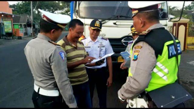 Truck Pasir dan Barang Mulai Dilakukan Pembatasan Jam Operasional