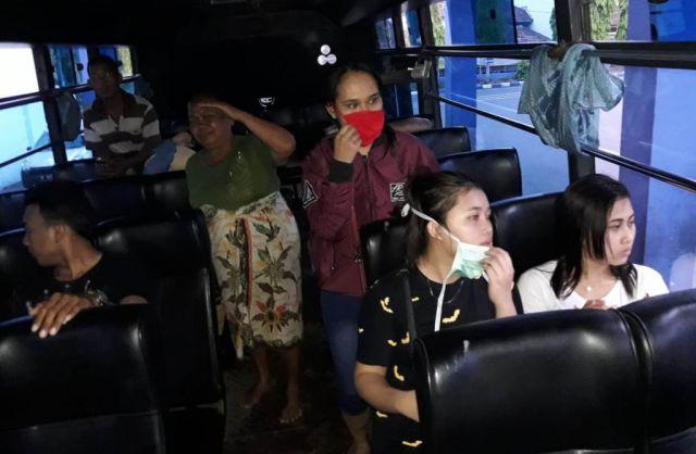 10 PSK Cantik Dolog Dipulangkan Naik Bus ke Bandung dan Jember