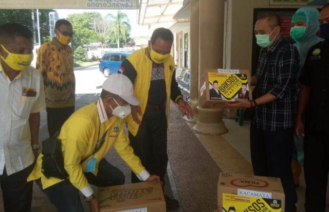 DPD Golkar Lumajang Bantu APD ke RSUD dr. Haryoto