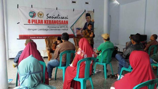 Umar Bashor MPR RI Sosialisasi 4 Pilar Terapkan Protokol Covid 19