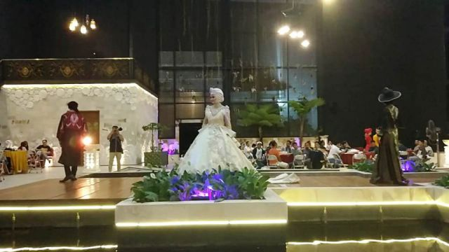 Miss Deaf Star 2019 Meriahkan Fashion Hijab Hunt di Narawitha Agung Hall