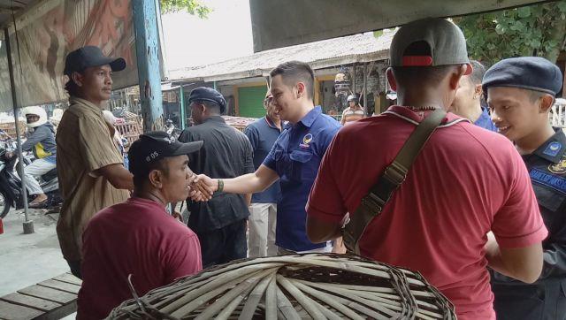 Artis FTV  Blusukan ke Pasar Serangin Lumajang.