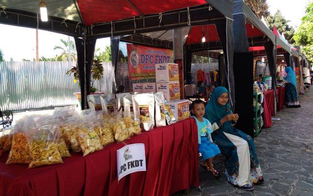 Sabun Susu Etawan dan Kripik Salak di Stand FKDT HSN 2017 Alun-alun Lumajang