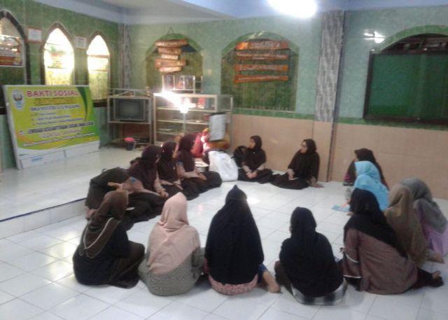 Garda SMAGA Gelar Pelatihan Kreasi Mading di LKSA Izzatul Jannah