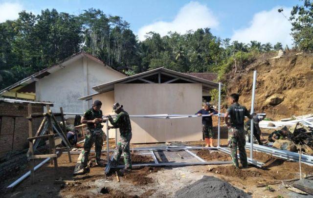 52 Huntara Korban Gempa Tempursari Lumajang Sudah Terbangun