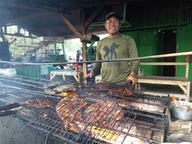 Yummy, Nikmatnya  Ikan Bakar di Warung Soponyono